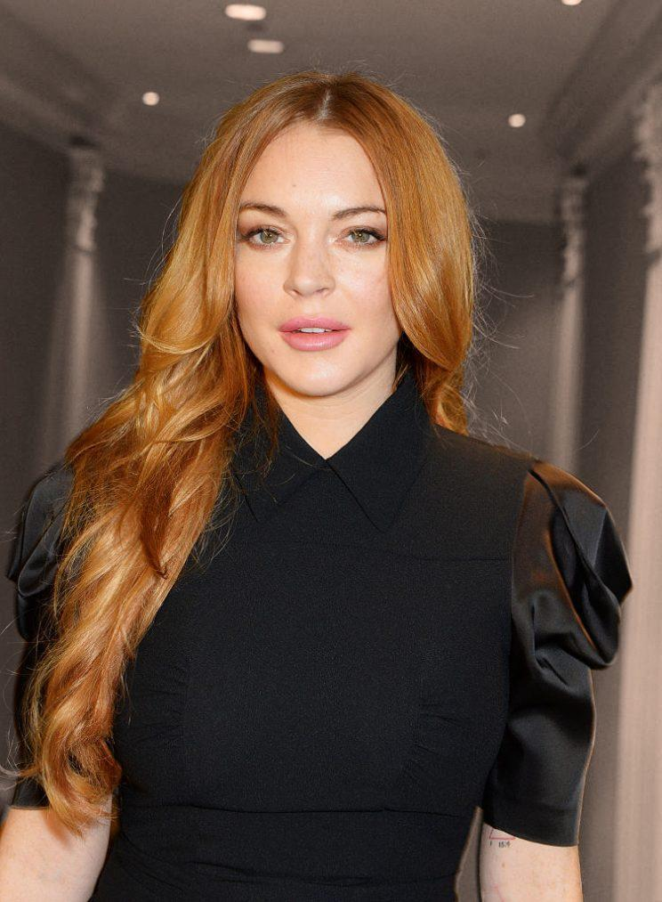 Lindsay Lohan Posts a Selfie Encouraging Followers to ...