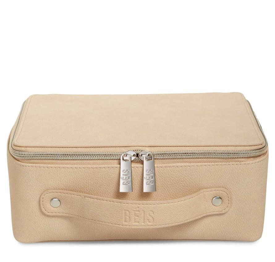 <p>The quintessential Virgo is highly pragmatic, organized, and hard-working. They'll appreciate a minimal makeup bag like the <span>Béis The Cosmetics Case</span> ($58) that keeps their products and tools streamlined on the go. Opt for one in a warm tone as a nod to their earth sign.</p>