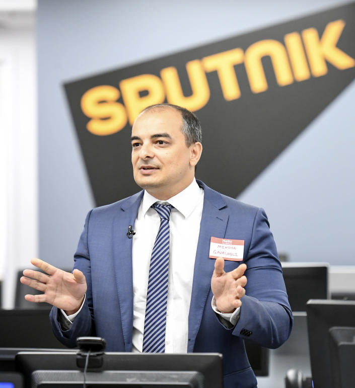 Mindia Gavasheli, Sputnik's U.S. editor in chief, holds a press conference in the agency's newsroom in Washington. (Photo: Jonathan Newton/The Washington Post via Getty Images)