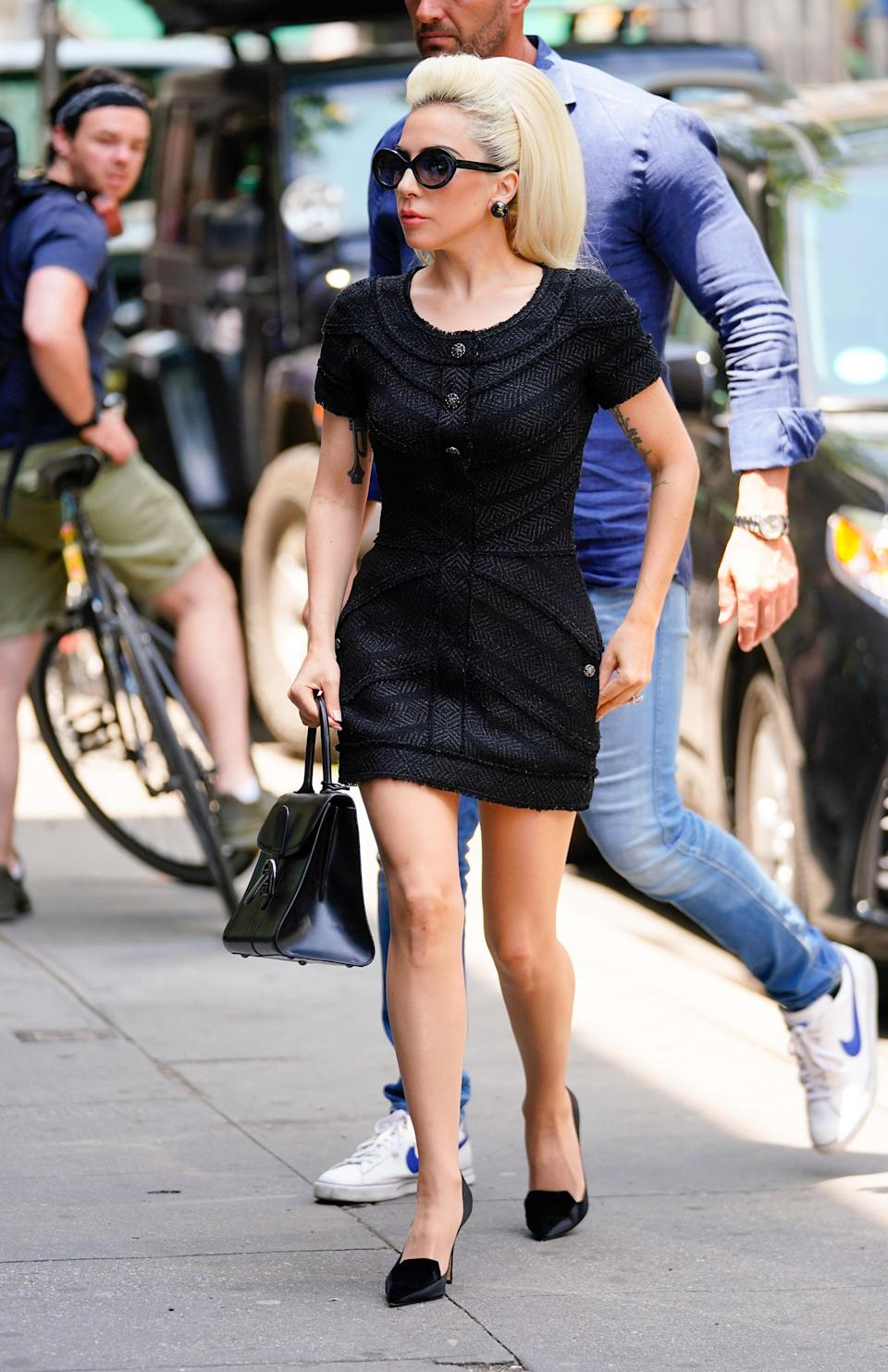 <p>The next day, she donned an all-black outfit that wouldn't look amiss during a casual stroll in Paris. [Photo: Getty] </p>