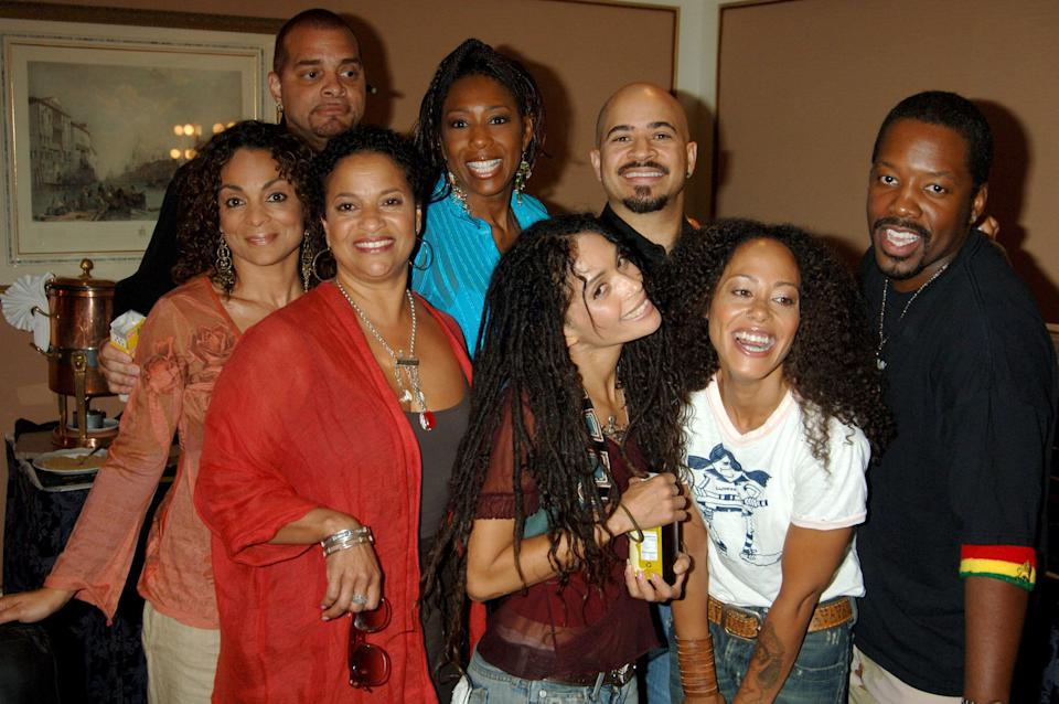 """Allen and the cast of """"A Different World,"""" including Lisa Bonet, at a reunion in 2006. (Photo: Jeff Kravitz via Getty Images)"""