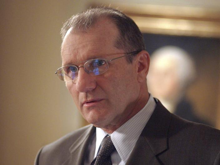 ed o'neill on the west wing