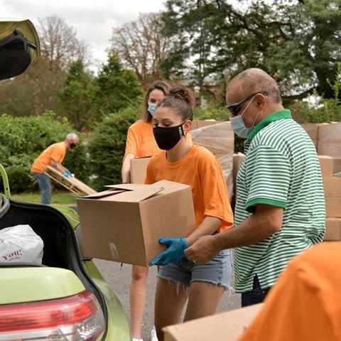 """<p>Typically, <a href=""""https://www.foodbanknyc.org/"""" rel=""""nofollow noopener"""" target=""""_blank"""" data-ylk=""""slk:the Food Bank For New York City"""" class=""""link rapid-noclick-resp"""">the Food Bank For New York City </a>hosts 800 volunteers each week to serve food and maintains a full volunteer calendar. Although the food bank is no longer accepting volunteer assistance, they are encouraging people to donate so they can continue to provide to-go meals and take-home pantry bags for those in need.</p><p><a class=""""link rapid-noclick-resp"""" href=""""https://www.foodbanknyc.org/"""" rel=""""nofollow noopener"""" target=""""_blank"""" data-ylk=""""slk:LEARN MORE"""">LEARN MORE</a><br></p><p><a href=""""https://www.instagram.com/p/CFSVBs1D1XG/?utm_source=ig_embed&utm_campaign=loading"""" rel=""""nofollow noopener"""" target=""""_blank"""" data-ylk=""""slk:See the original post on Instagram"""" class=""""link rapid-noclick-resp"""">See the original post on Instagram</a></p>"""