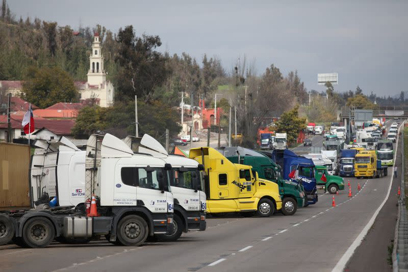 Chilean truckers end week-long strike on promise of beefed up security