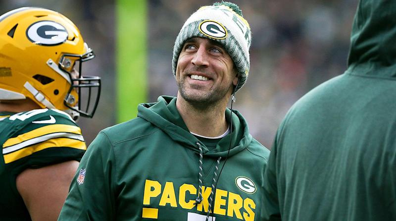 Aaron Rodgers Lending A Hand To Salvation Army