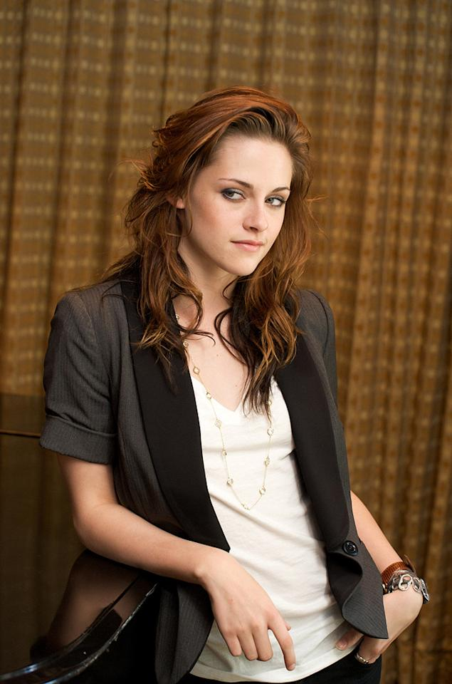 """<a href=""""http://movies.yahoo.com/movie/contributor/1807776250"""">KRISTEN STEWART</a>  Age: 18  Last Project: <a href=""""http://movies.yahoo.com/movie/1810010670/info"""">Twilight</a>  Upcoming Project: <a href=""""http://movies.yahoo.com/movie/1809942145/info"""">Adventureland</a>, <a href=""""http://movies.yahoo.com/movie/1810055802/info"""">New Moon</a>  Total Domestic Box Office Gross: $419,381,120   Though Kristen Stewart got her first mainstream break playing Jodie Foster's diabetic daughter in """"<a href=""""http://movies.yahoo.com/movie/1807776248/info"""">Panic Room</a>,"""" she rose to A-list status after starring in """"Twilight."""" For the sequel, """"New Moon,"""" she will reportedly pull down $12 million plus a cut of the profits. Not bad for someone who can't legally drink."""