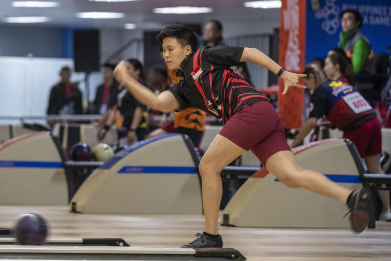 Singapore bowler New Hui Fen en route to winning the women's singles gold at the SEA Games (PHOTO: Alfie Lee/Sport Singapore)