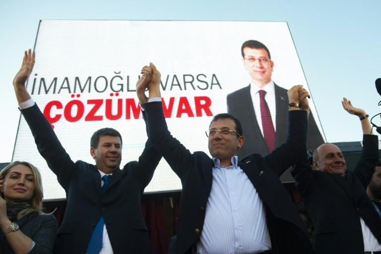 Fielding a younger candidate, Ekrem Imamoglu (C), the opposition CHP hopes a fresh approach will help them take the Istanbul mayor's office