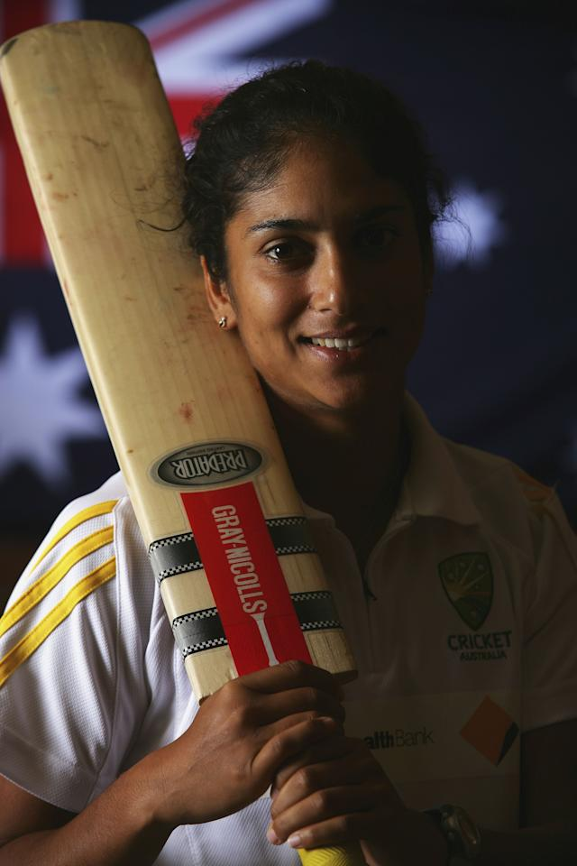 ADELAIDE, AUSTRALIA - FEBRUARY 27: Lisa Sthalekar of the Australia Women's cricket team poses during the Southern Stars Portrait Session at the Saville Suites on February 27, 2006 in Adelaide, Australia. (Photo by Robert Cianflone/Getty Images)