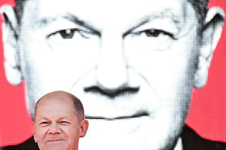 Olaf Scholz, although often described as wooden and uncharismatic, has run an error-free campaign (AFP/Tobias SCHWARZ)