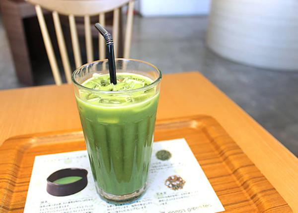 Matcha Latte (M 470 yen, L 550 yen, tax included) Drinks may be taken out