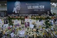 Thousands of people are braving heavy rains to line major streets in Singapore for a final farewell to founding leader Lee Kuan Yew, who will receive a rare 21-gun salute before a state funeral attended by world dignitaries