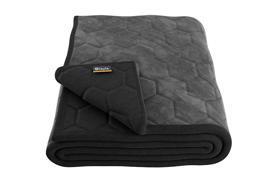 """<p><strong>621 review(s)</strong></p><p>laylasleep.com</p><p><strong>$129.00</strong></p><p><a href=""""https://go.redirectingat.com?id=74968X1596630&url=https%3A%2F%2Flaylasleep.com%2Fproduct%2Flayla-weighted-blanket%2F&sref=https%3A%2F%2Fwww.countryliving.com%2Fshopping%2Fgifts%2Fg23496922%2Fteen-boy-gifts%2F"""" rel=""""nofollow noopener"""" target=""""_blank"""" data-ylk=""""slk:Shop Now"""" class=""""link rapid-noclick-resp"""">Shop Now</a></p><p>This ultra-cozy weighted blanket might make it even harder to get him out of bed in the morning, but the good night's sleep will be worth it. Bonus: It's machine-washable!</p>"""