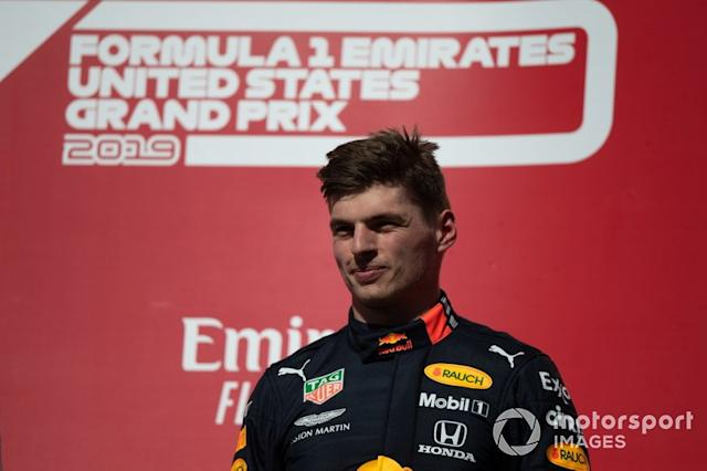 "Max Verstappen, Red Bull Racing, terzo classificato, sul podio <span class=""copyright"">Simon Galloway / Motorsport Images</span>"