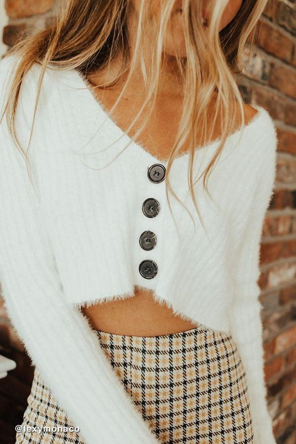 "<p>This <a href=""https://www.popsugar.com/buy/UO-Rochelle-Fuzzy-Cropped-Cardigan-481783?p_name=UO%20Rochelle%20Fuzzy%20Cropped%20Cardigan&retailer=urbanoutfitters.com&pid=481783&price=59&evar1=fab%3Auk&evar9=46516221&evar98=https%3A%2F%2Fwww.popsugar.com%2Ffashion%2Fphoto-gallery%2F46516221%2Fimage%2F46516222%2FUO-Rochelle-Fuzzy-Cropped-Cardigan&list1=shopping%2Challoween%2Challoween%20costumes%2Ceuphoria&prop13=api&pdata=1"" rel=""nofollow"" data-shoppable-link=""1"" target=""_blank"" class=""ga-track"" data-ga-category=""Related"" data-ga-label=""https://www.urbanoutfitters.com/shop/uo-rochelle-fuzzy-cropped-cardigan?category=party-outfits&amp;color=011"" data-ga-action=""In-Line Links"">UO Rochelle Fuzzy Cropped Cardigan</a> ($59) just screams Cassie.</p>"