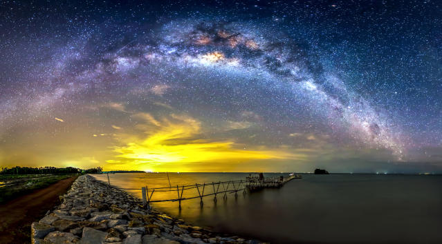 <p>Some of steves other night sky photography- Batu Pahat – Malaysia. (Photo: Steve Lance Lee/Caters News) </p>