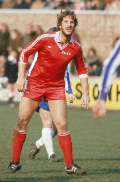 SCUNTHORPE - MARCH 29:  Ian Botham of Scunthorpe United in action during the League Division Four match between Scunthorpe United and Wigan Athletic held on March 29, 1980 at the Old Show Ground, in Scunthorpe, England. Wigan Athletic won the match 3-1. (Photo by Adrian Murrell/Getty Images)