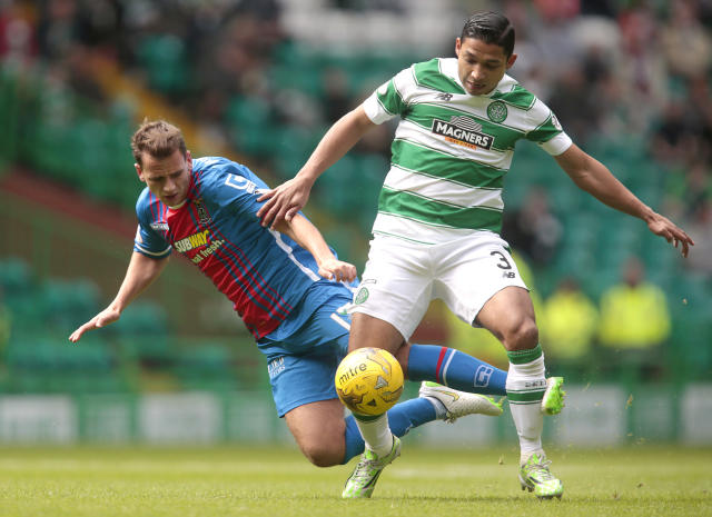 "Football - Celtic v Inverness Caledonian Thistle - Ladbrokes Scottish Premiership - Celtic Park - 15/8/15 Celtic's Emilio Izaguirre (R) in action with Inverness Caledonian Thistle's Lewis Horner Action Images via Reuters / Graham Stuart Livepic EDITORIAL USE ONLY. No use with unauthorized audio, video, data, fixture lists, club/league logos or ""live"" services. Online in-match use limited to 45 images, no video emulation. No use in betting, games or single club/league/player publications. Please contact your account representative for further details."
