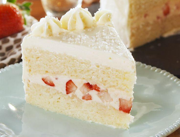 """<p>Christmas deserves something celebratory!</p><p>Get the recipe from <a href=""""https://www.delish.com/cooking/recipe-ideas/a26044022/champagne-cake-recipe/"""" rel=""""nofollow noopener"""" target=""""_blank"""" data-ylk=""""slk:Delish"""" class=""""link rapid-noclick-resp"""">Delish</a>.</p>"""
