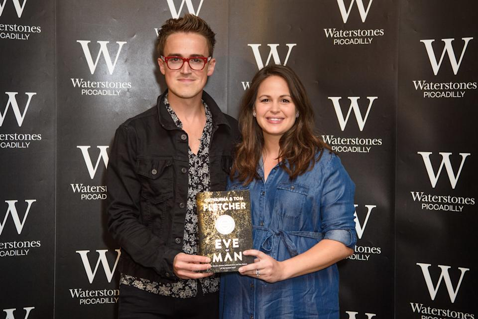 Tom and Giovanna Fletcher pictured promoting their new book, Eve of Man, at Waterstone's book shop in Piccadilly, London. Friday June 1st, 2018. Photo credit should read: Matt Crossick/ EMPICS Entertainment.