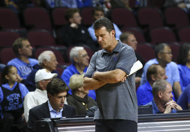 UCLA head coach Steve Alford is reportedly out after four consecutive losses. (AP)