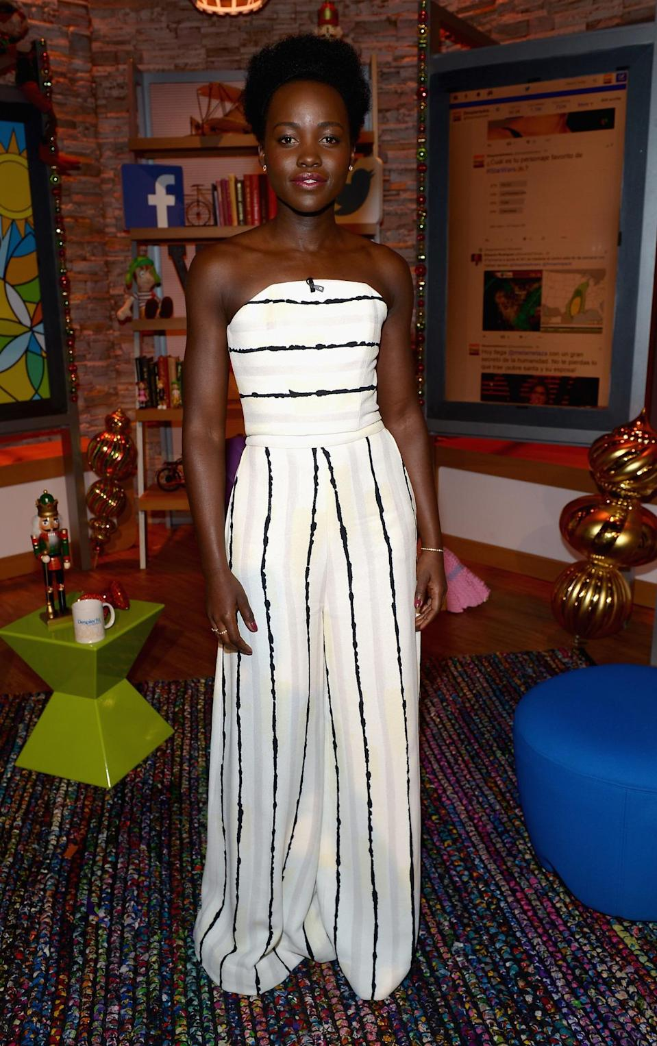 <p>Following the Mexico City premiere of <i>Star Wars: The Force Awakens</i>, Lupita Nyong'o made an appearance on <i>Despierta America</i>, wearing a a striped white jumpsuit.</p><p><i>Photo: Getty Images</i></p>