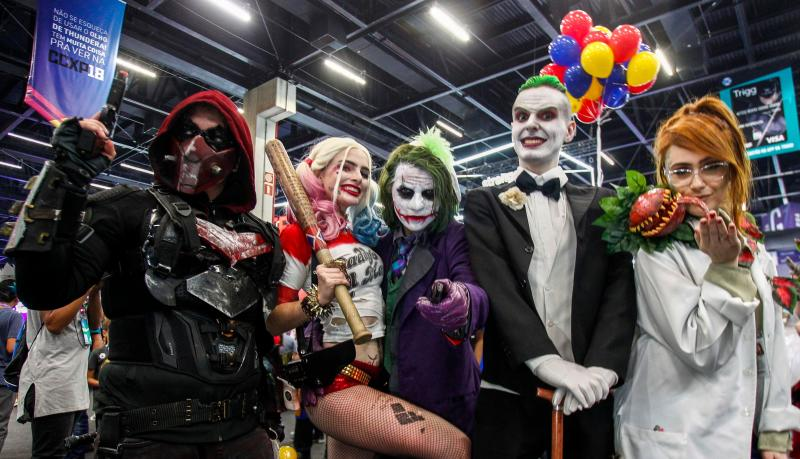 Cosplayers pose for a picture at the Comic Con 2018 in Sao Paulo, Brazil on December 6, 2018. - The annual edition of Sao Paulo Comic Con is taking place from December 6 to 9. (Photo by Miguel SCHINCARIOL / AFP) (Photo credit should read MIGUEL SCHINCARIOL/AFP via Getty Images)