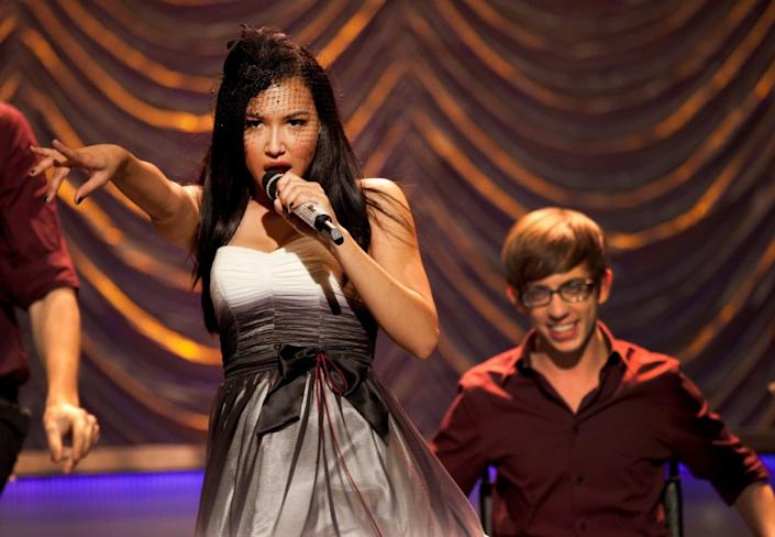 """Santana (Naya Rivera) and Artie (Kevin McHale) perform """"Valerie"""" on """"Glee."""" <span class=""""copyright"""">(Fox Image Collection via Getty Images)</span>"""