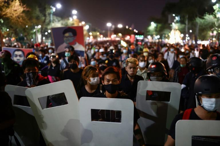 The detention of four prominent Thai protest leaders has spurred demonstrators back into action