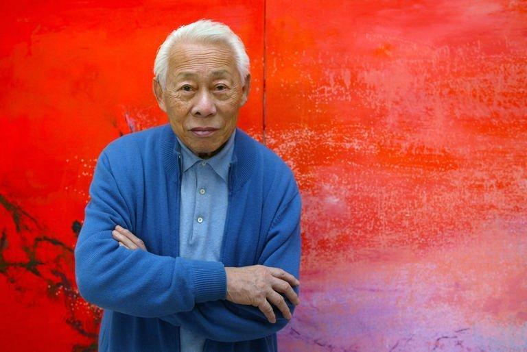 Franco-Chinese painter Zao Wou-Ki poses in his workshop in Paris on November 6, 2003. Zao a significant figure in 20th-century Chinese art, died at his home in Switzerland aged 93, a lawyer for his wife told AFP