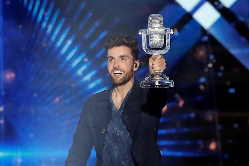 Winner: Duncan Laurence with the Eurovision trophy (REUTERS/Ronen Zvulun)