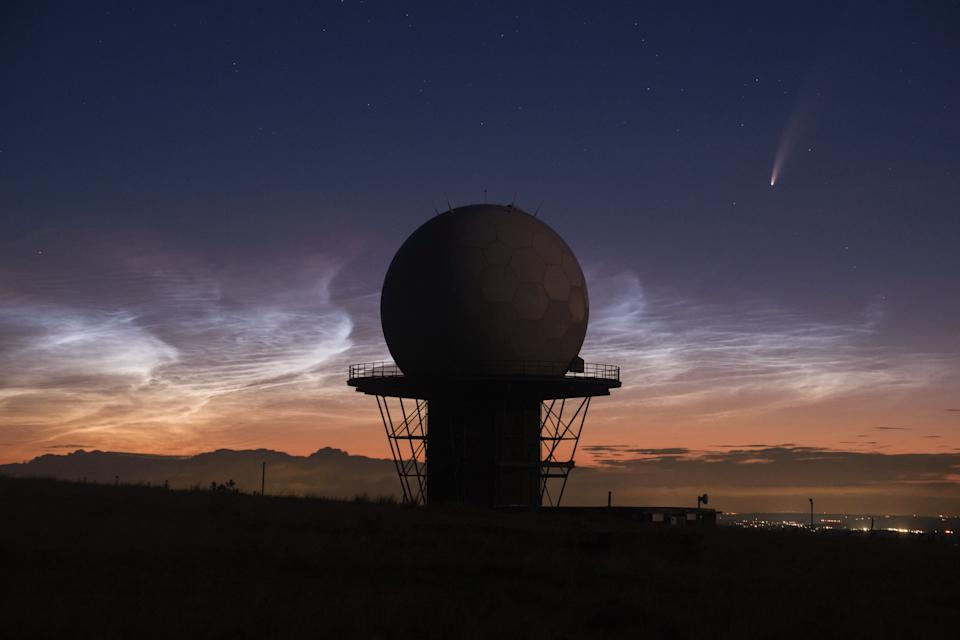 Comet Neowise passes Titterstone Clee Hill Radar and amazing rare Noctilucent clouds behind it on 10 Juy 2020. See SWNS story SWBRcomet;