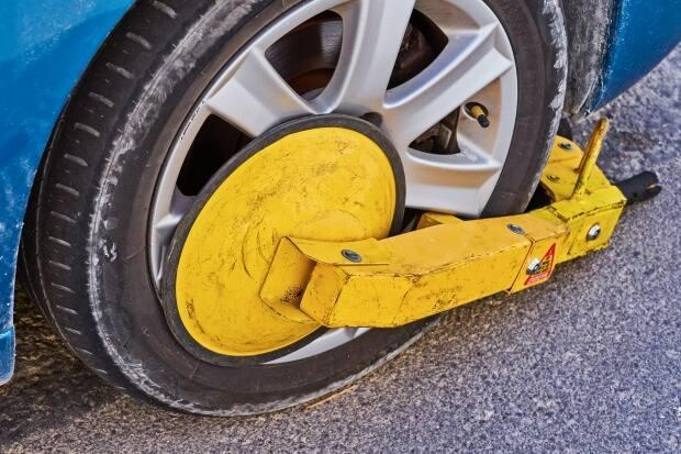 The proposed bylaw calls for a 30-minute time limit for someone to come and remove a parking boot. (Shutterstock / Kira_Yan - image credit)