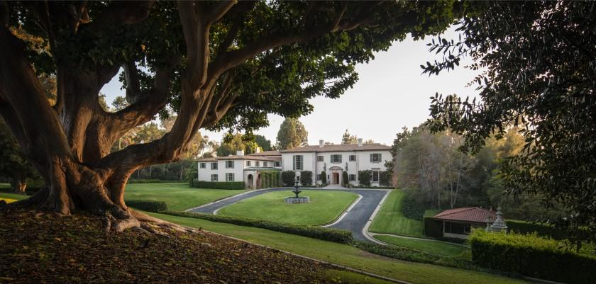Built in 1936, the 10-acre estate has boasted a slew of notable owners over the years including actor Tony Curtis and pop duo Sonny and Cher.