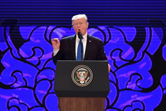 <p>U.S. President Donald Trump speaks on the final day of the APEC CEO Summit, part of the broader Asia-Pacific Economic Cooperation (APEC) leaders' summit, in Danang, Vietnam, November 10, 2017. REUTERS/Anthony Wallace/Pool </p>