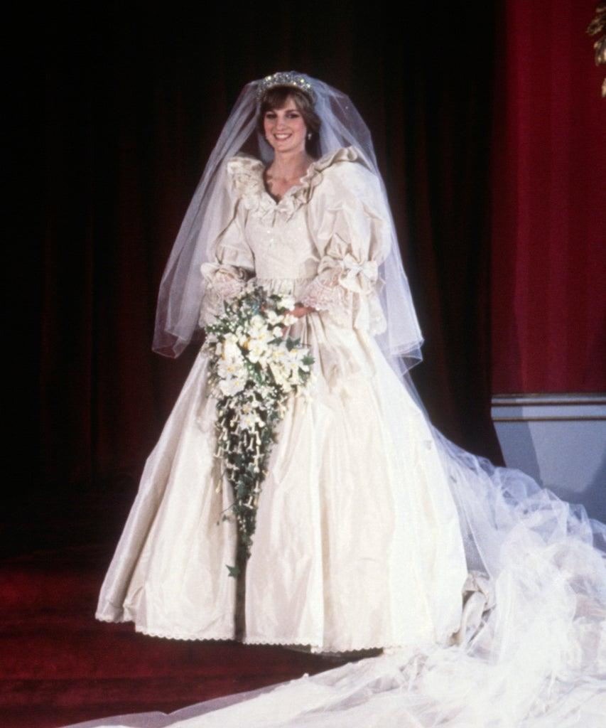 Diana, Princess of Wales, in her bridal dress on the day of her wedding to Prince Charles. (Photo by © Hulton-Deutsch Collection/CORBIS/Corbis via Getty Images)