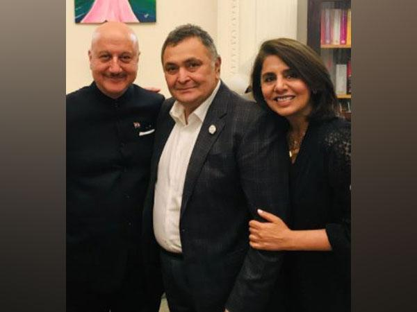 Anupam Kher with Neetu Kapoor and the late actor Rishi Kapoor (Image Source: Instagram)
