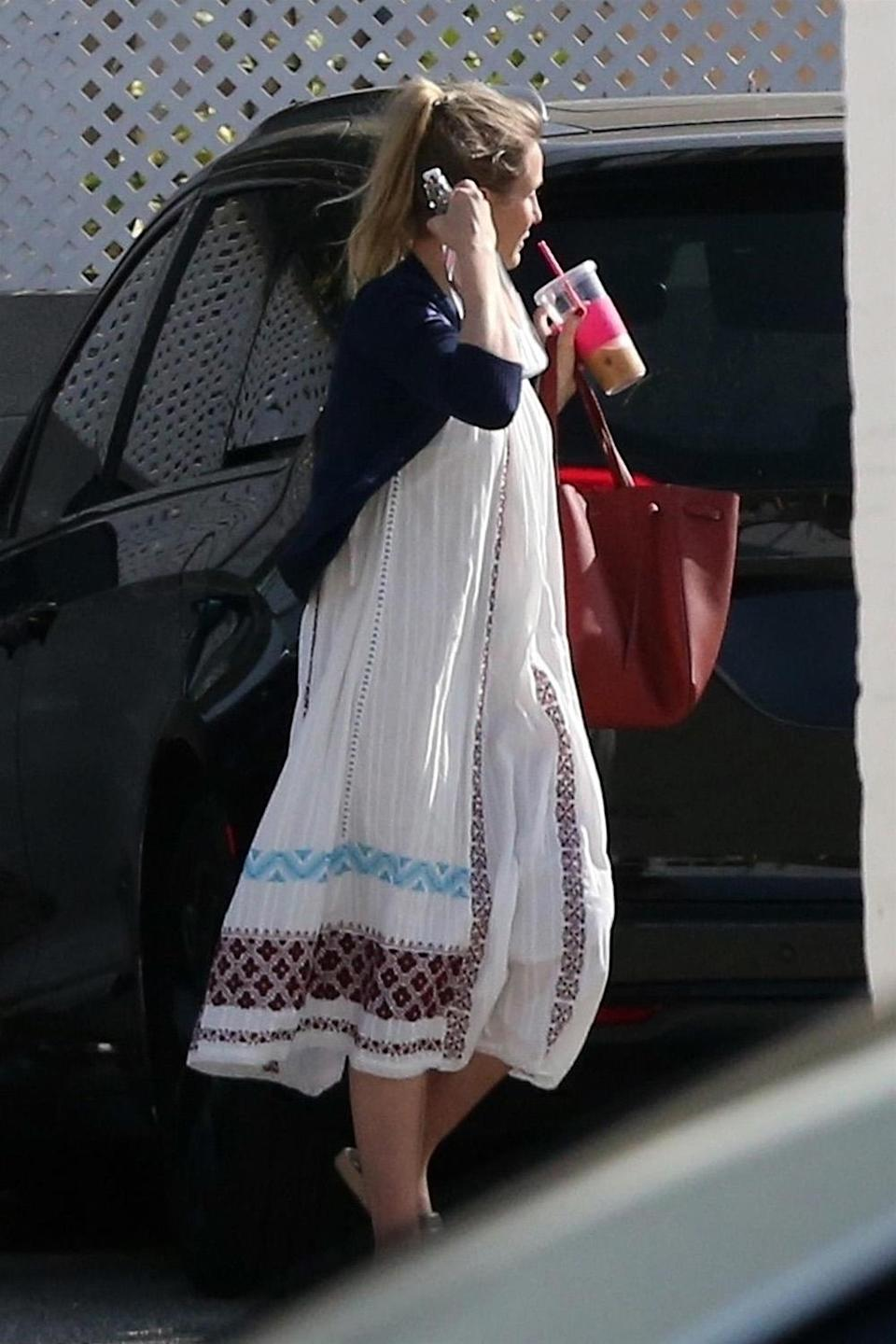 Cameron Diaz wore a flowing dress on Feb. 7, which helps the tabloid narrative that she is pregnant. (Photo: BackGrid)