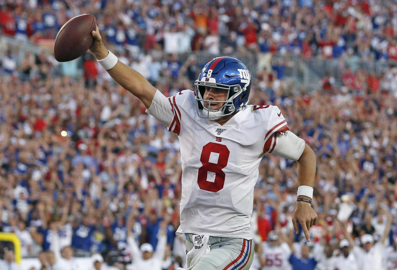 New York Giants quarterback Daniel Jones was named NFC offensive player of the week for leading his team to a come-from-behind win on Sunday. (AP)