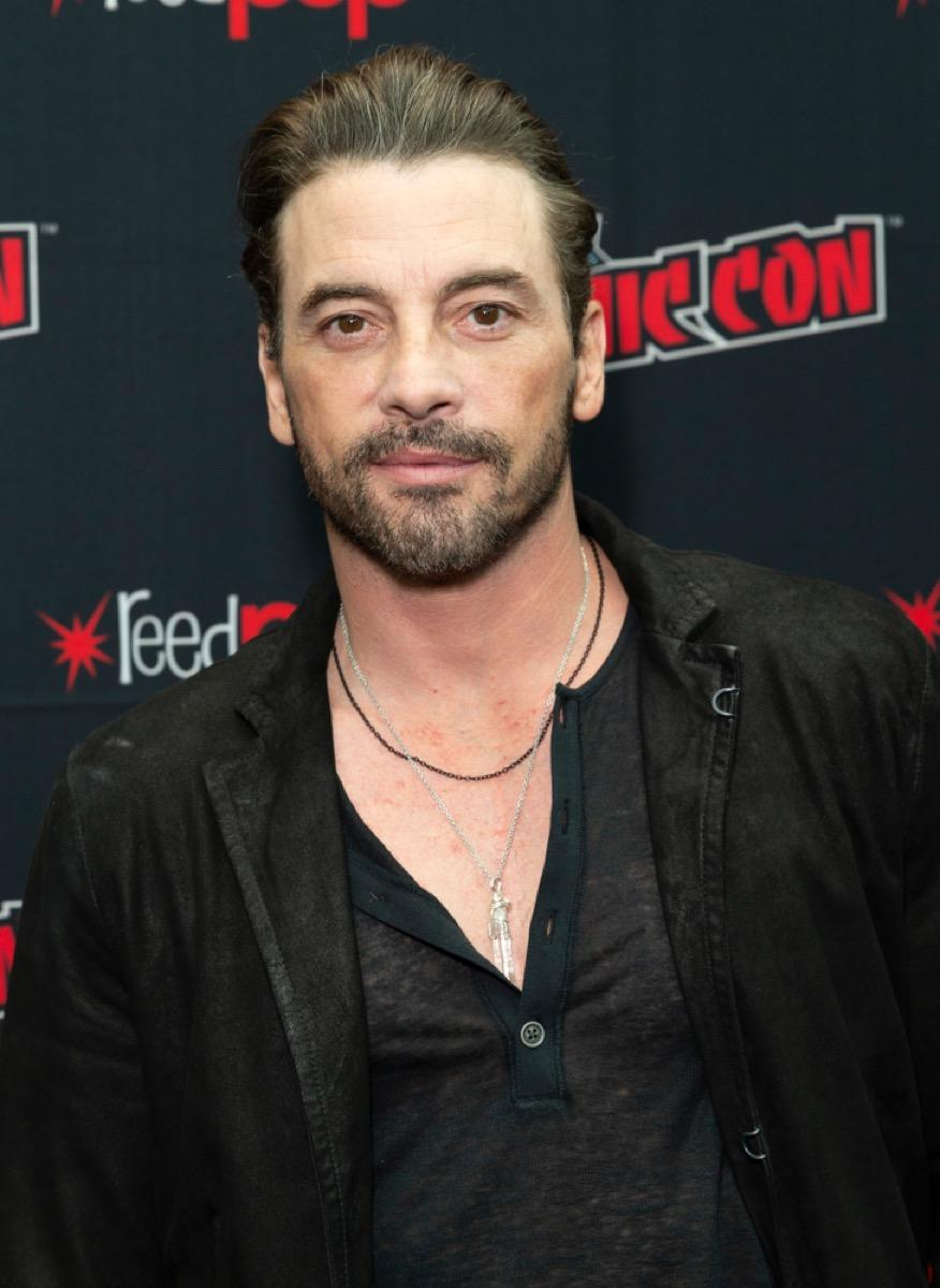 skeet ulrich on the red carpet