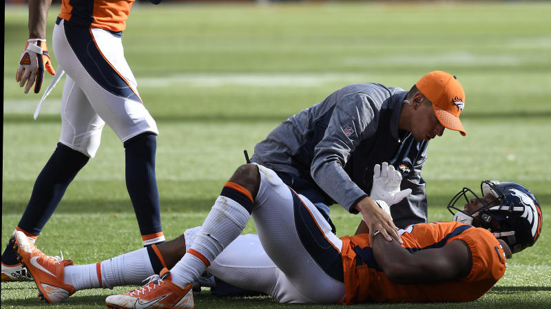 Broncos' Bennie Fowler Collapses Twice After Hit To The Head