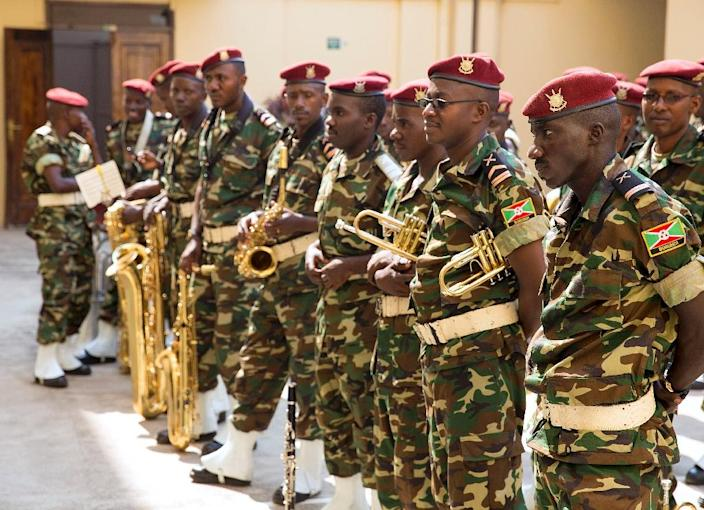 Burundi's military band attend the swearing-in for President Pierre Nkurunziza's controversial third term in power in Bujumbura on August 20, 2015 (AFP Photo/Grif Tapper)