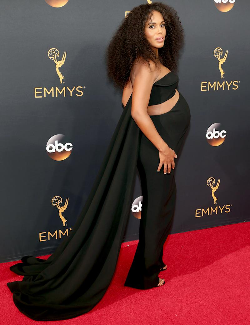 PregnantKerry Washington Rocked Cutouts and Rockstar Curls on the Emmys 2016 Red Carpet