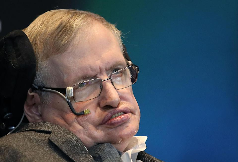 The design of the Royal Mint coin celebrates Prof Hawking's work on black holes (Picture: PA)