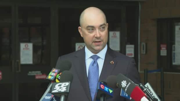 Det.-Sgt. Steve Bereziuk, with Hamilton Police Service's Major Crime Unit, on Friday identified Faqir Ali's deceased son and provided information on two of the three suspects. (CBC - image credit)