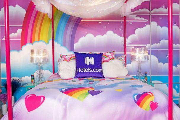 PHOTO: Guests can lounge in a light-up canopy bed. (via Hotels.com)