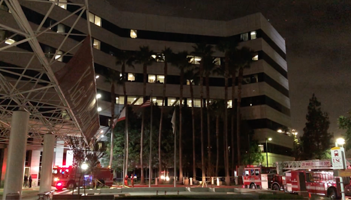 One Injured When Helicopter Carrying Donated Heart Crashes On Top Of Keck Hospital Of Usc