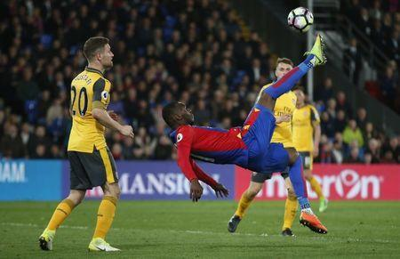 Britain Football Soccer - Crystal Palace v Arsenal - Premier League - Selhurst Park - 10/4/17 Crystal Palace's Christian Benteke shoots at goal Action Images via Reuters / Matthew Childs Livepic