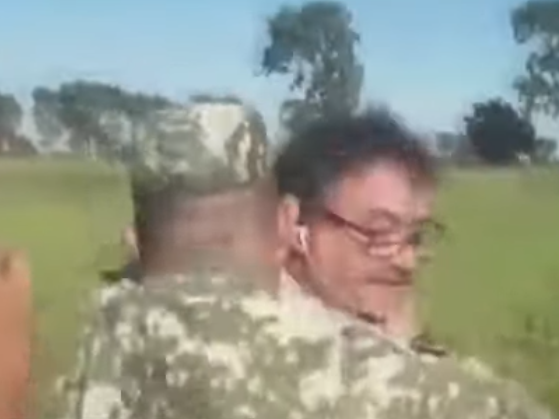 Journalist wrestled to ground by soldier in Paraguay: TelefuturoInfo / Youtube