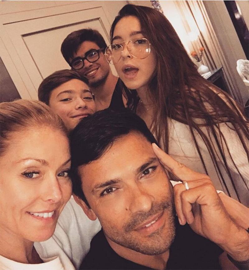 Kelly Ripa and Mark Consuelos with sons Michael and Joaquin and daughter Lola | Source: Kelly Ripa/Instagram